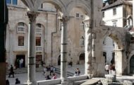 Peritstil, Split