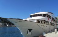 "Motor yacht ""Le Cordea"" awaiting your arrival"